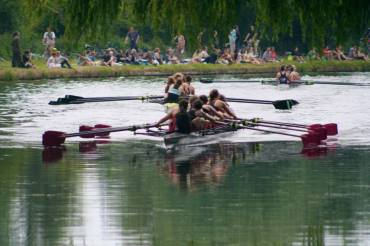 W1 lead the division, Mays 2015.